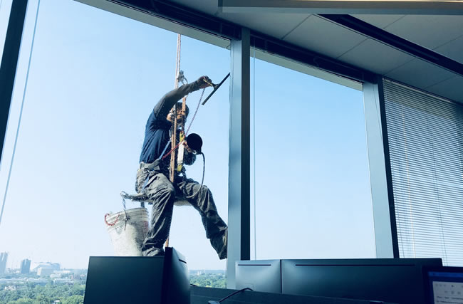 Building Window Cleaning